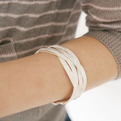 Knitted-twisted-bracelet-3