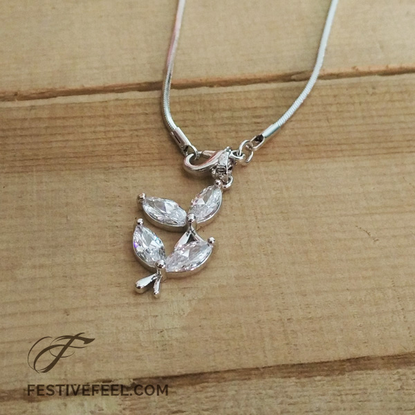 Knotty Things Crystal Pendant