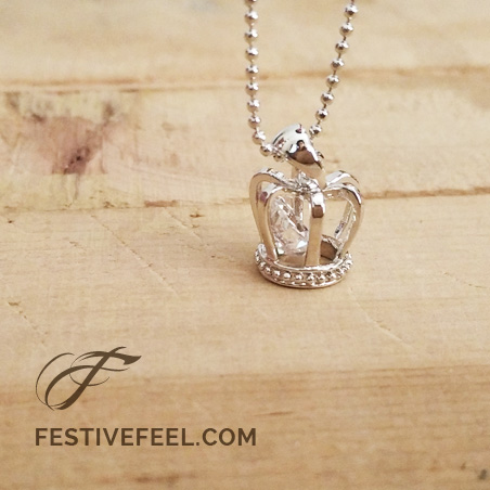 The  Royalty Crown Pendant Necklace
