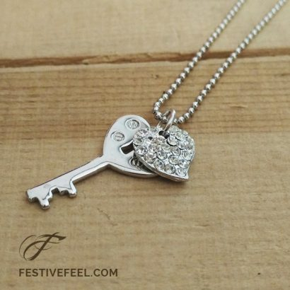 Key to my heart love pendant necklace