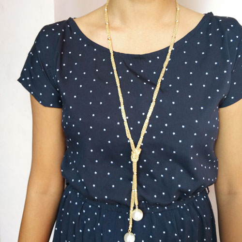 gold-threads-knot-necklace
