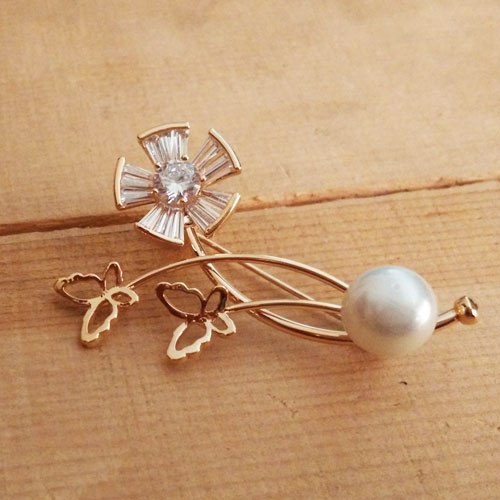 And-butterfies pearl crystal brooch
